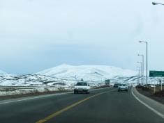 iranische Autos sind weiß und von Peugout